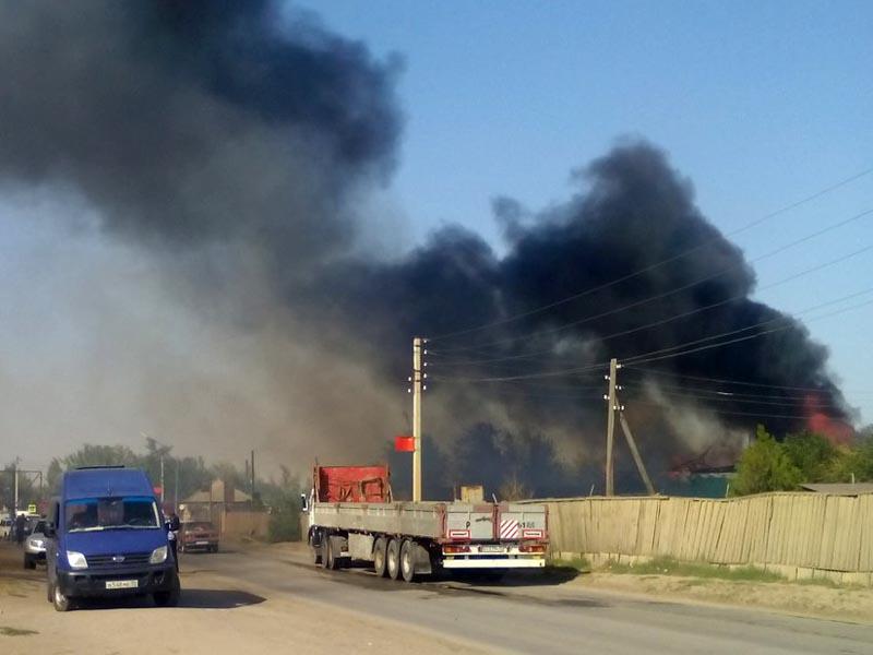 В Ахтубинске произошел еще один крупный пожар