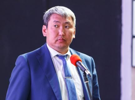 Алексей Цыденов назначил министра образования Бурятии