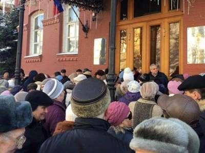 Жителям Астраханской области рассказали, как получить деньги нуждающимся