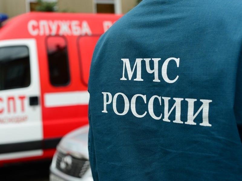 В Астраханской области сгорели туалет и магазин