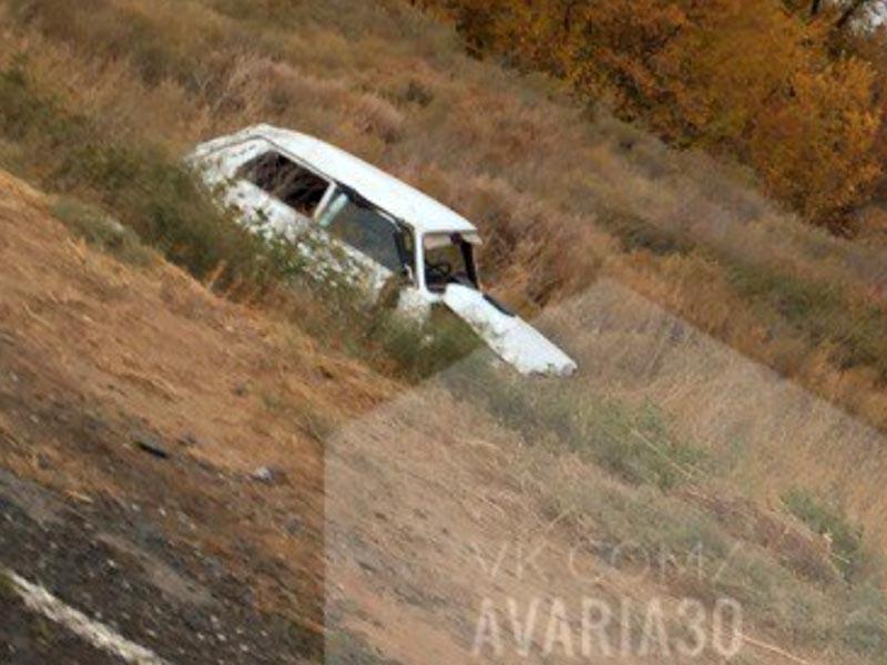 В Астраханской области перевернулась «Нива»