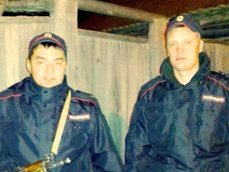 Гвардейцы спасли на пожаре двух детей
