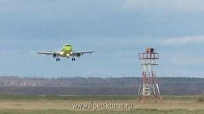 В липецком аэропорту приземлился первый Эмбраер 170
