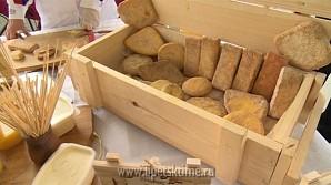 Сырная ярмарка в Липецке собрала сотни гостей