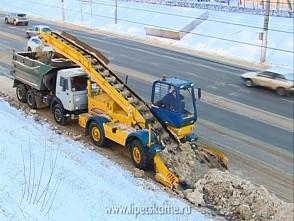 Расчищать дороги региона от снега готовы более 400 единиц спецтехники