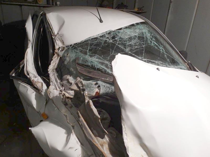В Астрахани «Лада Гранта» врезалась в грузовик