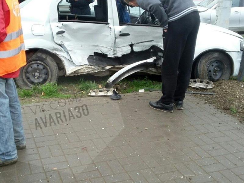 В Астрахани произошло серьезное ДТП из-за неработающего светофора