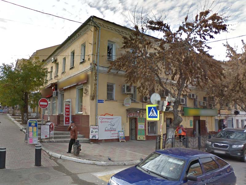 В Астрахани ночью горела квартира в самом центре города