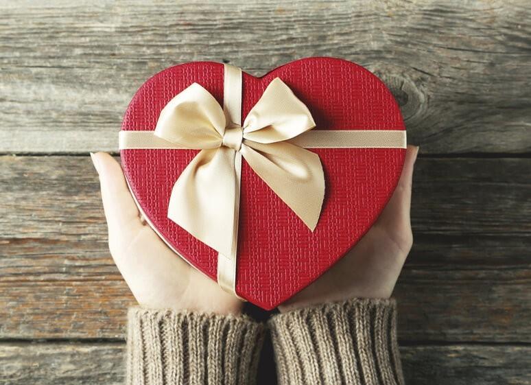 Выбор подарков близким людям