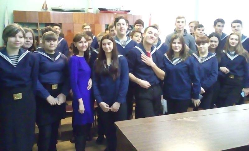 «Правовая защита семьи и материнства в России» — тема беседы астраханских студентов и ЗАГСа
